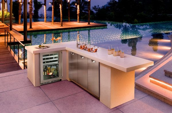 4-outdoor-kitchen-cool-refrigerator-undercountertop