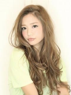 ヘアスタイル・髪型・ヘアカタログ(スモーキーアッシュ  - アッシュベージュ ヘアカタログ