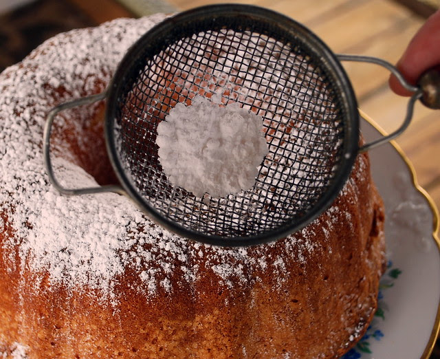 Sour Cream Pound Cake - sprinkle CU