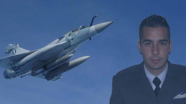 Ο ηρωικός σμηναγός, Γιώργος Μπαλταδώρος και ένα Mirage 2000-5 όπως αυτό με το οποίο πέταξε για τελευταία φορά φυλάσσοντας τον εναέριο χώρο μας