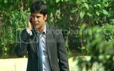 http://i347.photobucket.com/albums/p464/blogspot_images1/Aamir/PDVD_002.jpg