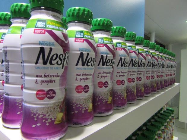 Nestlé lançou smoothie de arroz de uva, beterraba e gengibre, além do sabor amora e maracujá. Empresa também apresentou o Nescau sem lactose (Foto: Karina Trevizan/G1)