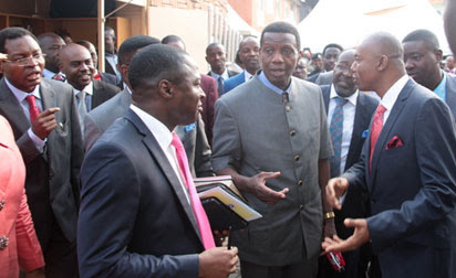 Pastor-in-charge of Region 19, Pastor Femi Atoyebi (l) Pastor-in-charge of Province 44, Pastor Amos Emovon (r) welcoming the General Overseer, Pastor Enoch Adejare Adeboye (c) to the venue of the dedication/commissioning of RCCG Province 44 in Surulere, Lagos last Sunday.