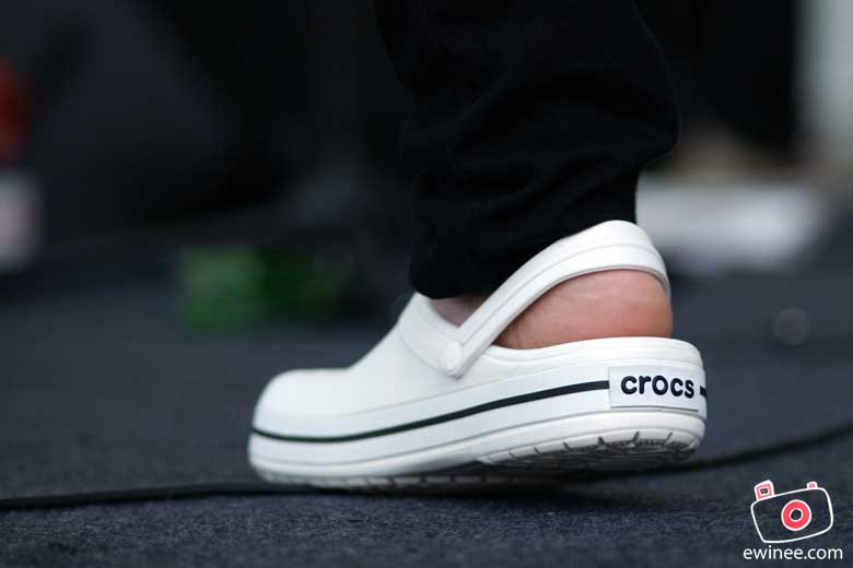 CROCS-BAND-CARNIVAL-1U-AHM-crocs