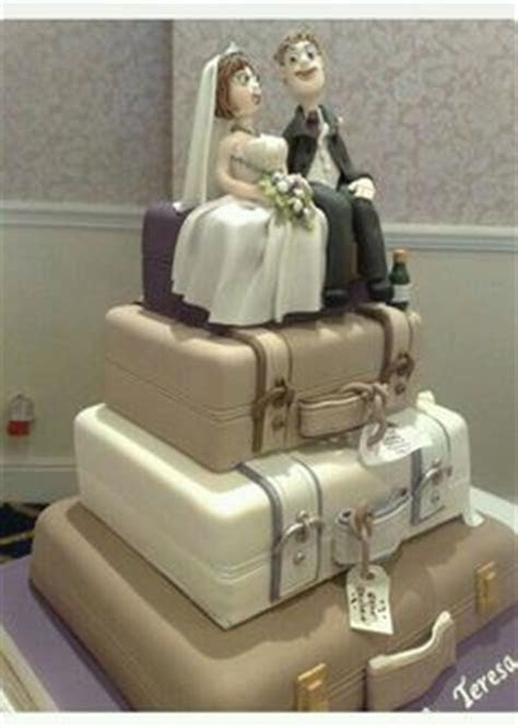 1000  images about vintage suitcase wedding cakes on