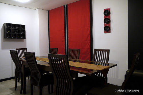 isuites-geta-room-dining.jpg