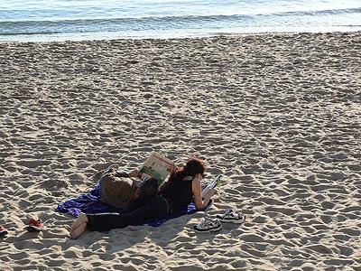 sun bathing en février.jpg