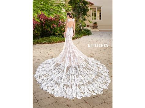 Kitty Chen Candice, $1,000 Size: 16   Used Wedding Dresses