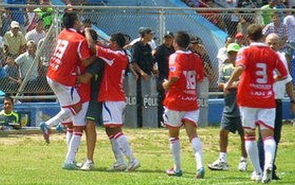 Unión Comercio necesitó solo tres minutos para vencer 2-0 a San Martín