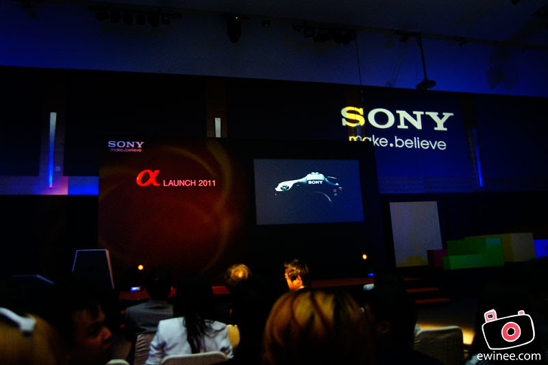 SONY-A77-LAUNCH-MID-VALLEY-GARDENS-BALL-ROOM-stage