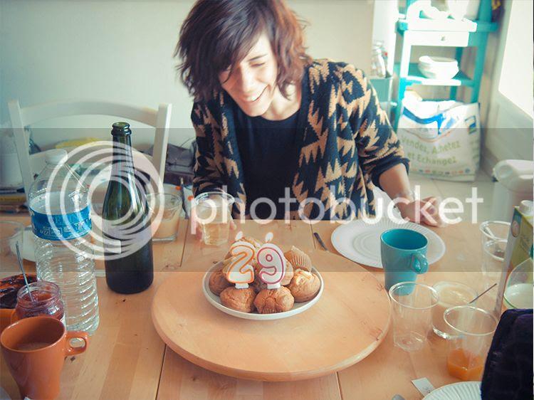photo anniversaire sourire lifestyle adulte