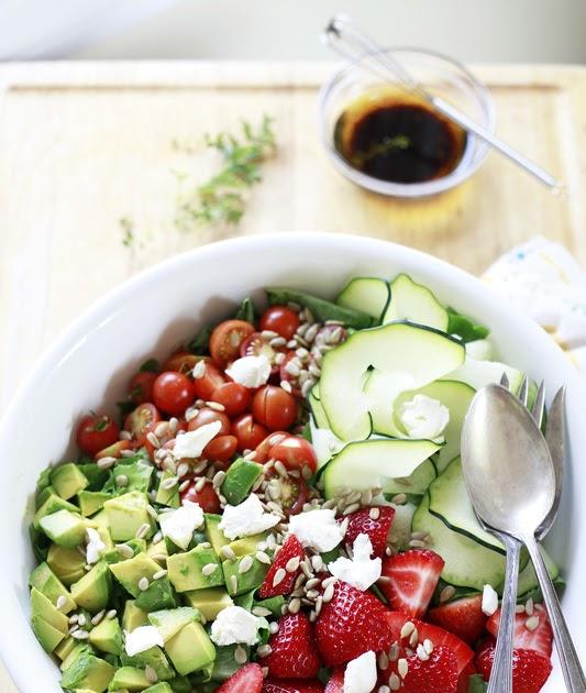 The Yummy Mummy Kitchen Cookbook: 5 Steps To Perfect Salad