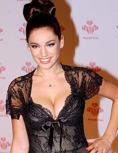 image of kelly brook at a function
