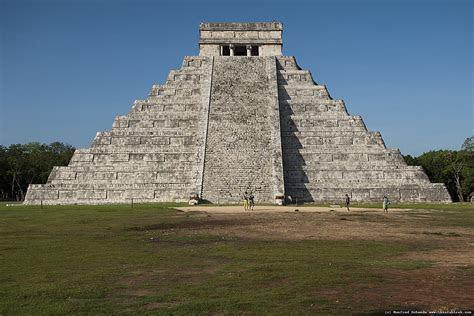 Pyramid at Chichén Itzá ? WeNeedFun