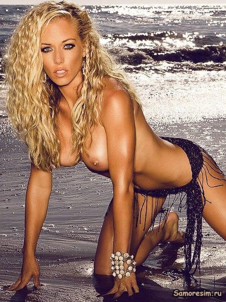 Kendra wilkinson nude photo