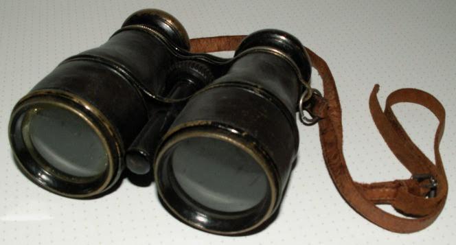 A simple pair of binoculars