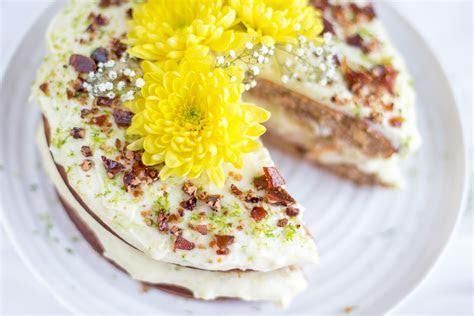 Hummingbird Cake from Jamie Oliver Comfort Food   Mondomulia