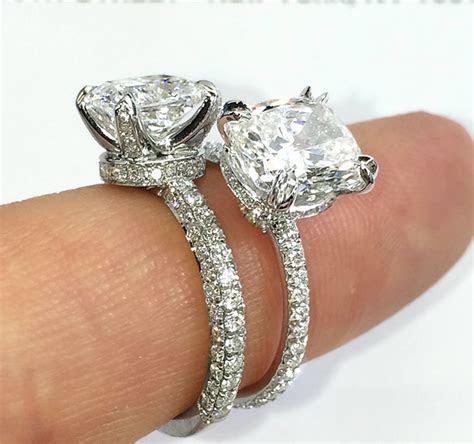 Engagement Ring Band Styles: Three Row vs. Single Row
