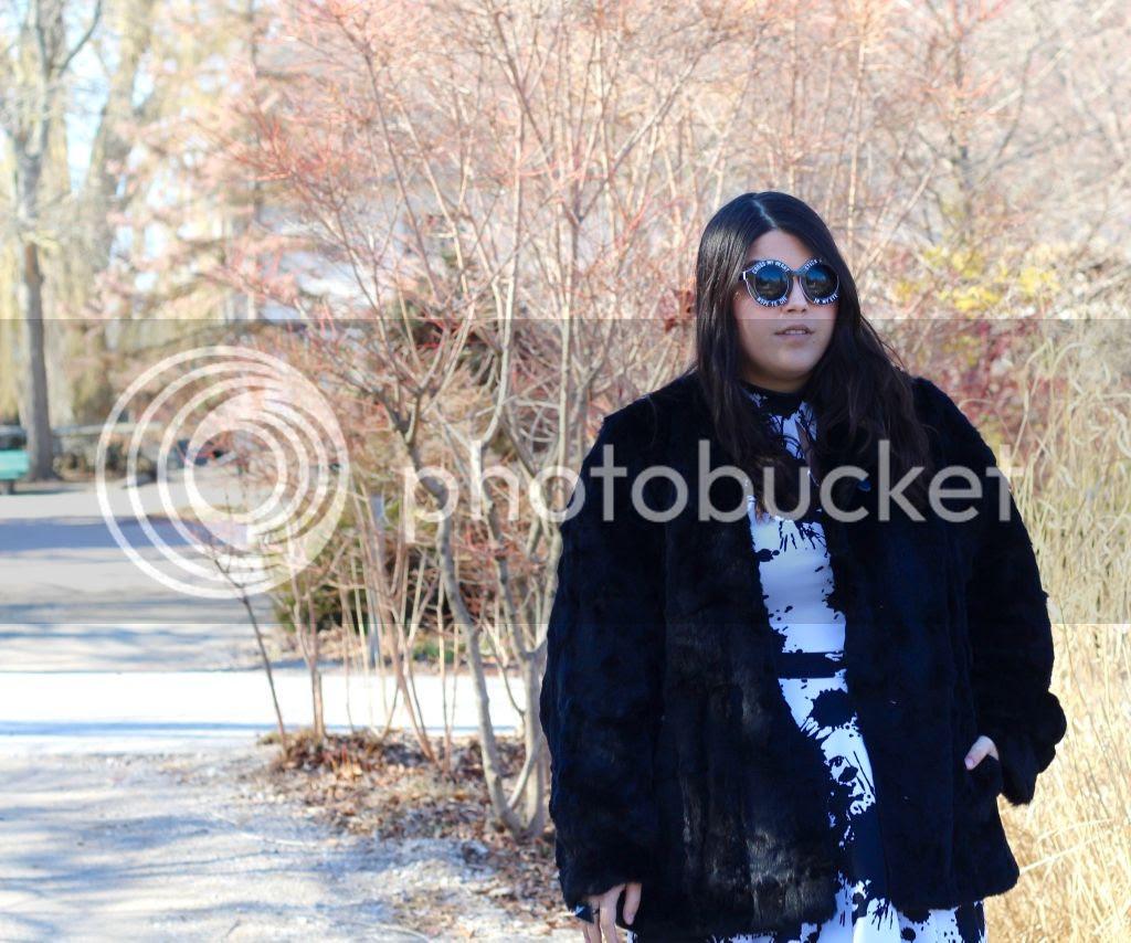 plus size fashion fashion to figure canada plus size blogger toronto Jessica Ip fat fashion plus size faux fur jacket