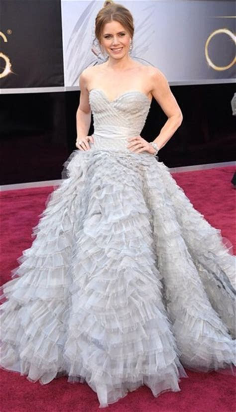 dress, amy adams, wedding dress, grey, fluffy   Wheretoget