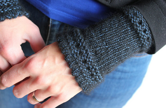 http://www.ravelry.com/projects/misshendrie/susie-rogers-reading-mitts-2