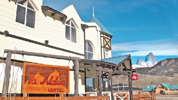 La Aldea. Ubicado en la localidad santacruceña de El Chaltén, el hotel está investigado en la causa Hotesur.