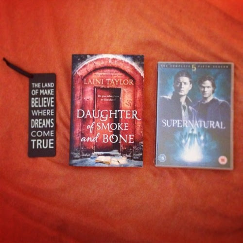 Bookmark, Daughter of Smoke and Bone and SPN S5