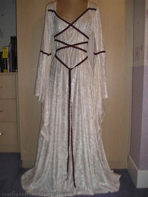 uk maid marian medieval pagan wedding dress hand fasting