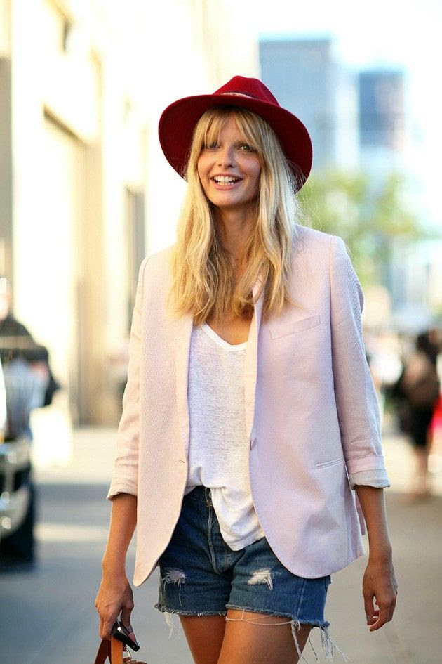 Julia Stegner looking lovely in a light pink blazer and Etro hat.