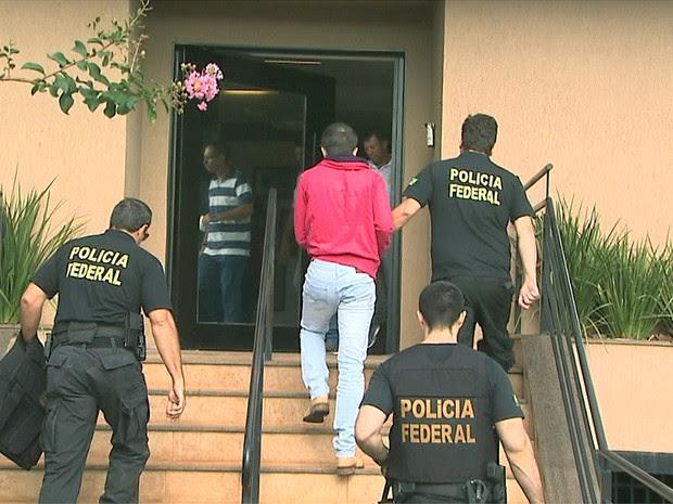 Ex-gerente do Banco do Brasil foi preso durante operação da Polícia Federal nesta terça-feira (1º) (Foto: Paulo Souza/EPTV)