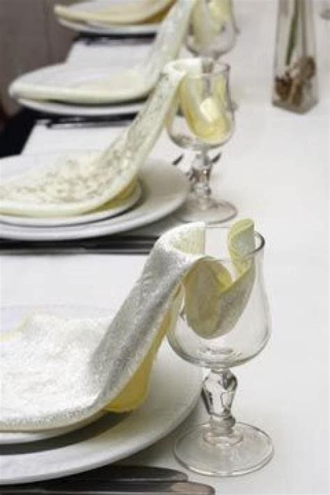 17 Best images about Entertaining Linens/NapkinFolds on