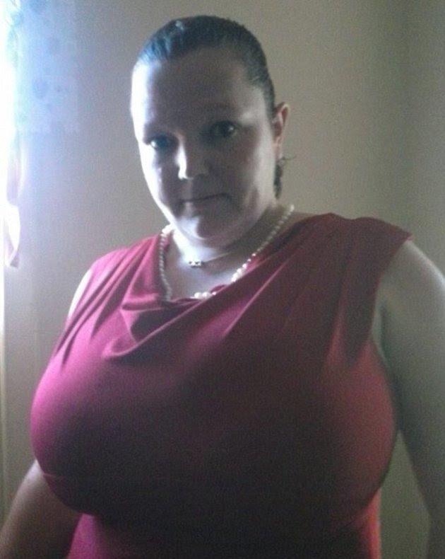 Karen Davis Large Breasted Woman Who Flashed Google