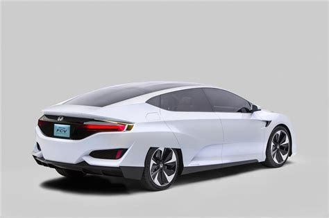 2016 Honda Clarity Fuel Cell Image. https://www