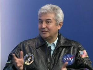 Astronauta brasileiro fala do objeto