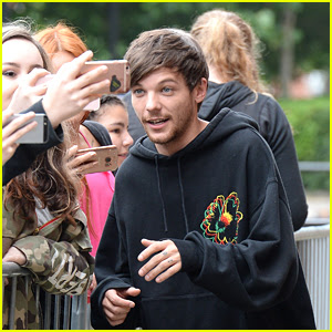 Louis Tomlinson Takes Selfies with Fans While Promoting His New Song 'Back to You'!