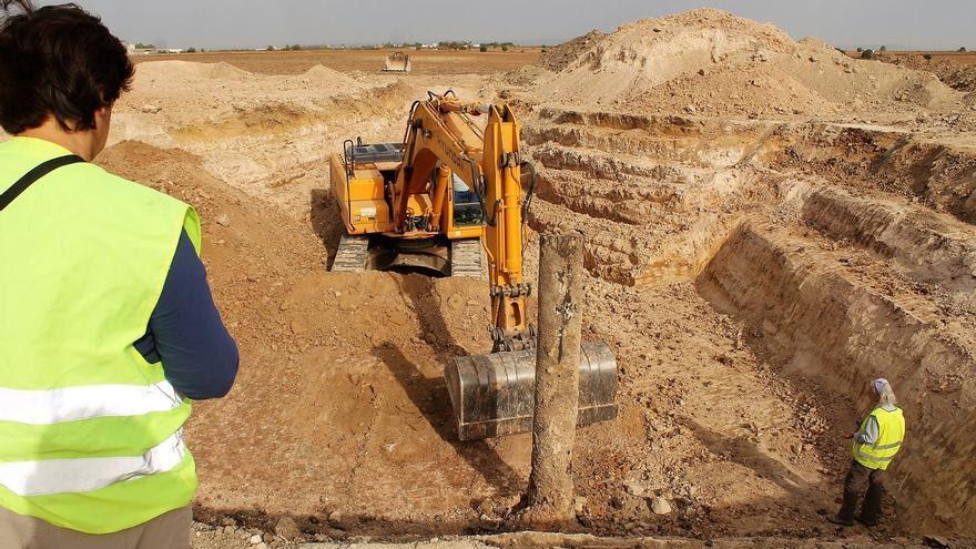 Trabajo arqueológico en El Aguaucho. | JUAN MIGUEL BAQUERO