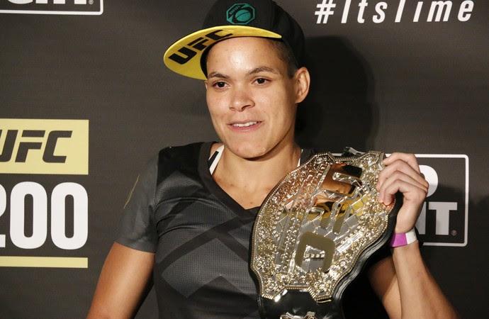 Amanda Nunes; cinturão; UFC (Foto: Evelyn Rodrigues)