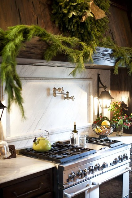 Ashley-Gilbreath-Interior-Design-Montgomery-Alabama-Traditional-Kitchen-Wood-Hood-600x901
