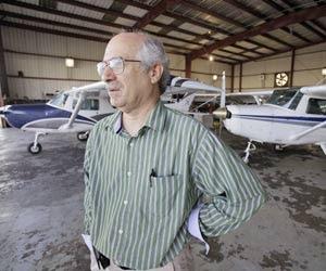 Patrick Murphy, diretor de uma escola de aviação dos EUA (Foto: AP)