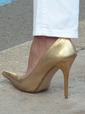 escarpin doré.jpg