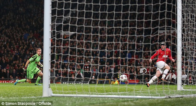 ... but Rooney misses the open goal and sends his shot well wide of the far post with Van Persie unmarked