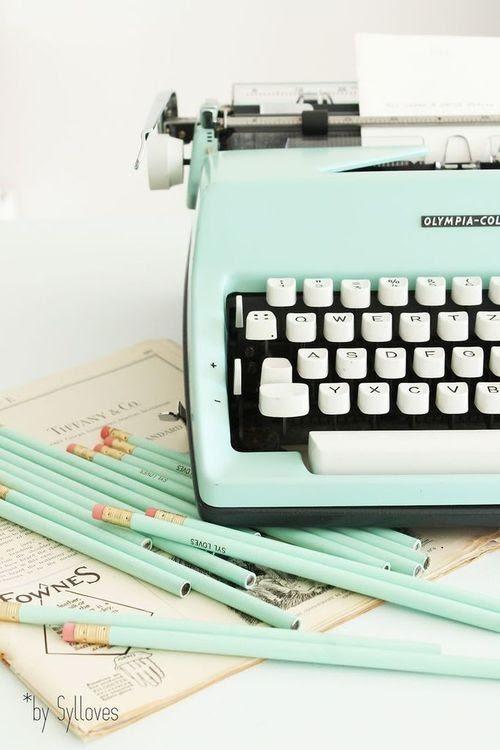 Máquina de escrever menta.jpg