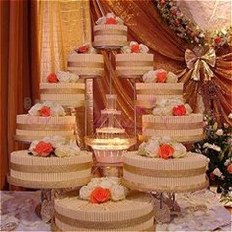 1000  ideas about Fountain Wedding Cakes on Pinterest