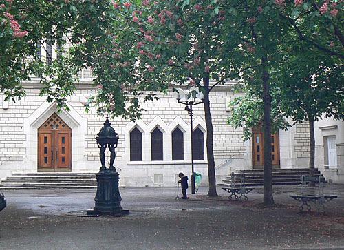 place de l'église de Passy.jpg