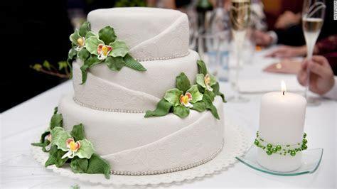 Want a happy marriage? Have a big, cheap wedding   CNN