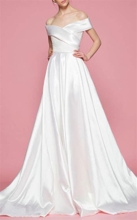 Best 25  Off shoulder gown ideas on Pinterest   Off