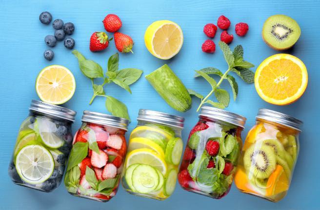 Una pieza de fruta de tamaño normal contiene 10 gramos de fructosa
