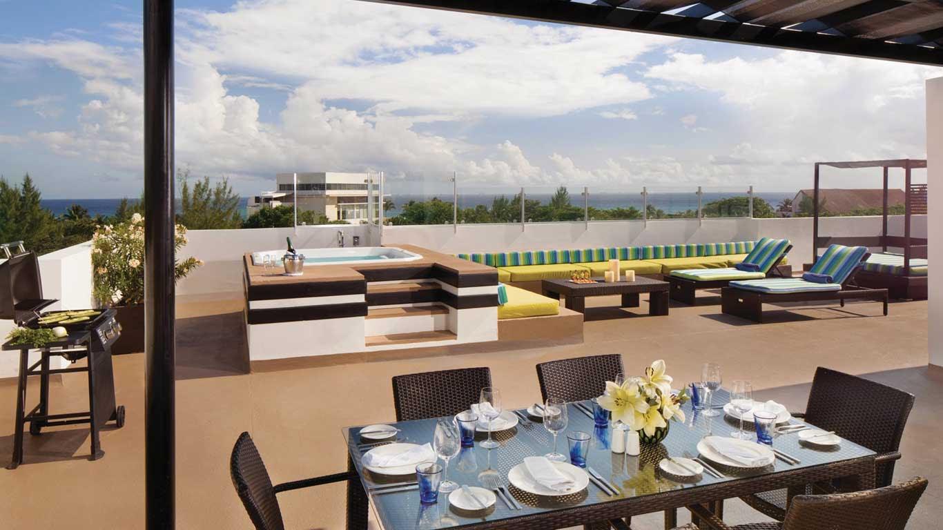 THE FIVES Azul Beach Resort  Playa Del Carmen  Fives
