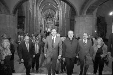 """Figura 3. """"Personalidades"""" visitan el monasterio de Fitero (Navarra)"""