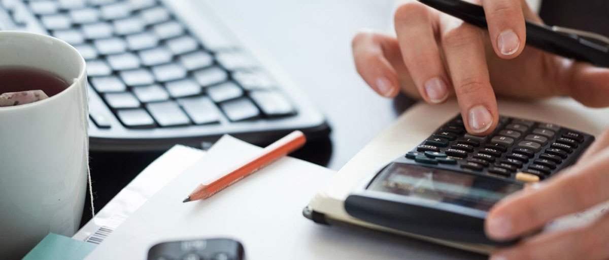 Калькулятор расчета аванса согласно отработанному времени Начисления работникам Оклад Первым и основным видом начислений является вознаграждение, установленное в виде .